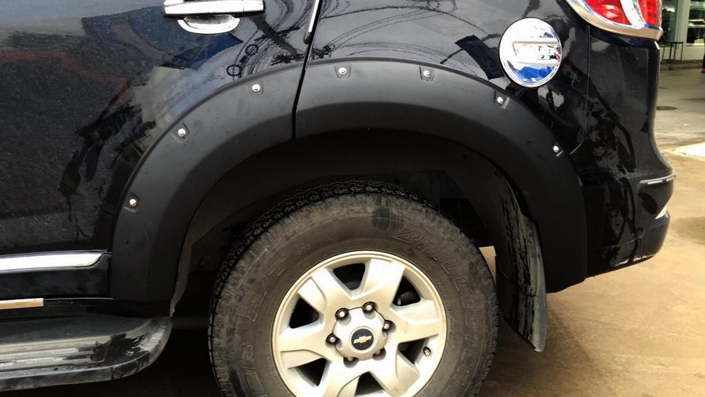 Fender Flares Wheel Nuts Black V2 For Chevrolet Holden Trailblazer 2012-2015